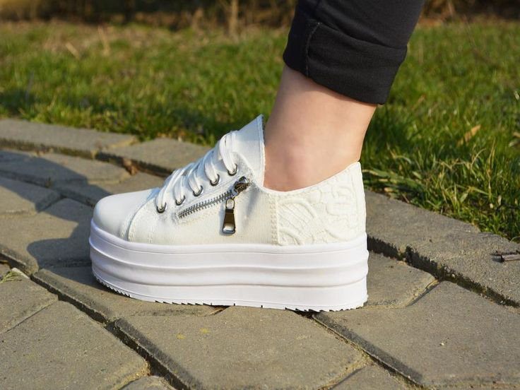Tenisi cu platforma Moet  #sneakers #shoes #woman #girls #sport #new #spring #collection #elegance #details #platform #fashion