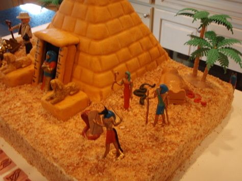 Pyramid cake side view replicas for play school for Ancient egyptian tomb decoration