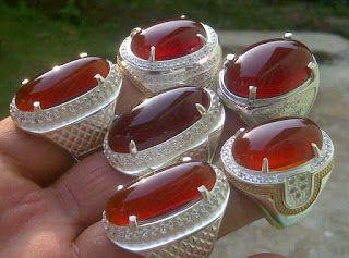 Chalcedony Red Raflesia Cat Eye