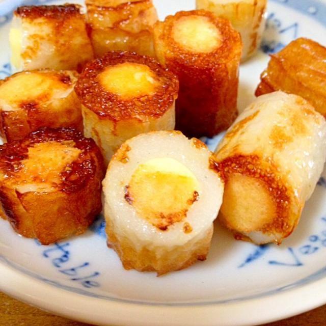 ちくわきゅうりやチーズちくわは食べますが、焼いて食べた事がないので ゆみちゃんが作っていた、あっつんの太ちくわにチーズinを作ってみました。 リピ決定です  ゆみちゃん、食べともよろしく✨ - 91件のもぐもぐ - Yumiちゃんのあっつんの太ちくわにチーズin鯛100%のちくわで by mayumi0525