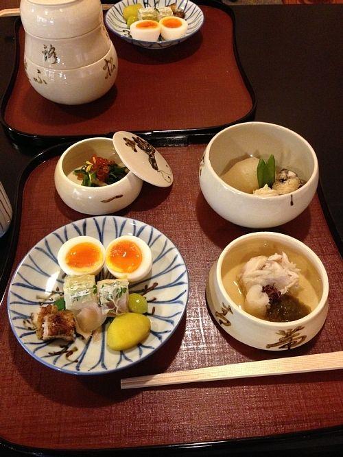 Japanese breakfast in Kyoto 瓢亭の朝粥