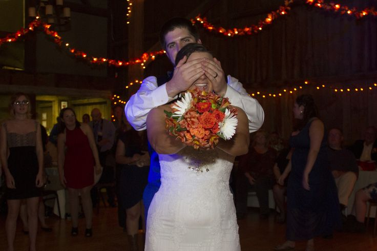 Bouquet toss. I LOVE this picture