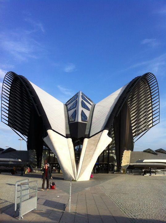 Aéroport Lyon-Saint Exupéry (LYS) em Colombier-Saugnieu, Rhône-Alpes