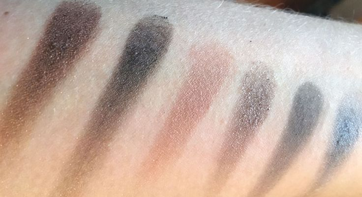 Swatches W7!lightly toasted 7-12 oogschaduw