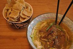 Na een druk weekend is er niks lekkerder dan noodlesoep. Ok, noodlesoep is altíjd lekker, maar vandaag maakte ik een soep met Koreaans rundvlees. Het recept voor Nuhbiani vond ik laatst via Foodgawker op Beyond Kimchee, een blog met koreaanse … Continue reading →