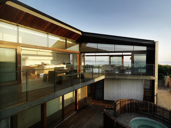 Queenscliff residence in Victoria, Australia by john Wardle Architects