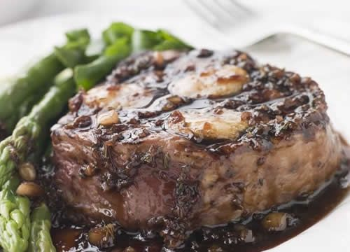 Grilled Steak with Peppercorn Sauce
