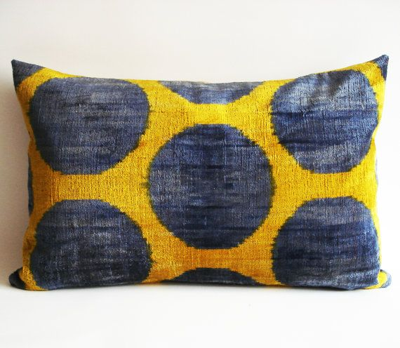 Throw Pillow Color Combinations : Love this color combination! SALE - Soft Hand Woven - Silk Velvet Ikat Pillow Cover - 15x23 inch ...