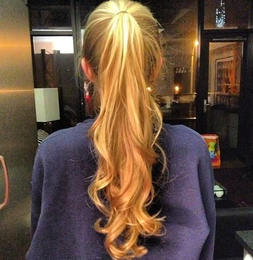 I want my hair to look like this in a ponytail. grow grow grow!