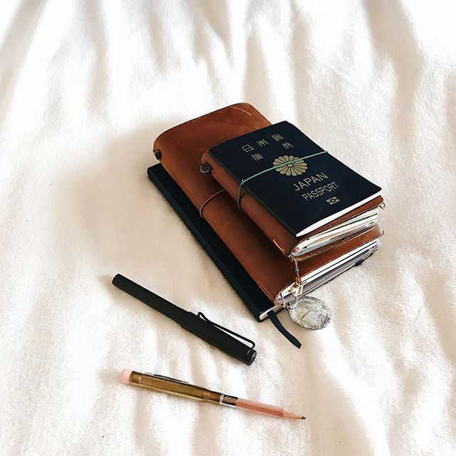 tak_uniqueinjesuswhere will the next destination be? currently in the process of renewing my passport. #mtn#tn#passport#travel#trip#travelerscompany#travelersfactory#travelersnotebook#japan#japanese#stationery#notebook#journal#planner#diary#moleskine#lamy#fountainen#トラベラーズノート#モレスキン#ノート#ペン#パスポート#手帳#文房具#万年筆#旅#旅行2017/06/27 09:38:33