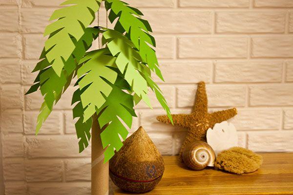 Décor: DIY Paper Palm Tree  {via Piggy Bank Parties}