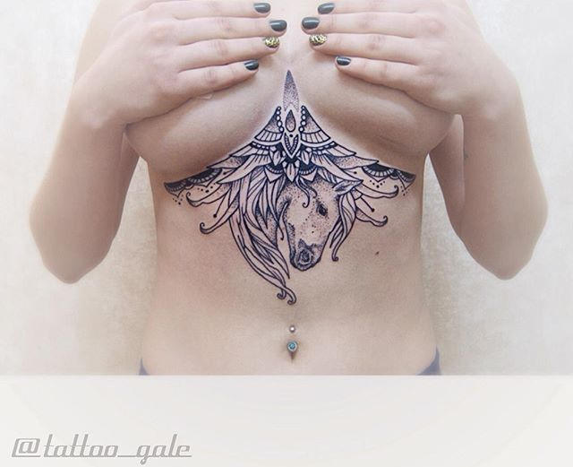 Love this horse sternum tattoo by @tattoo_gale!