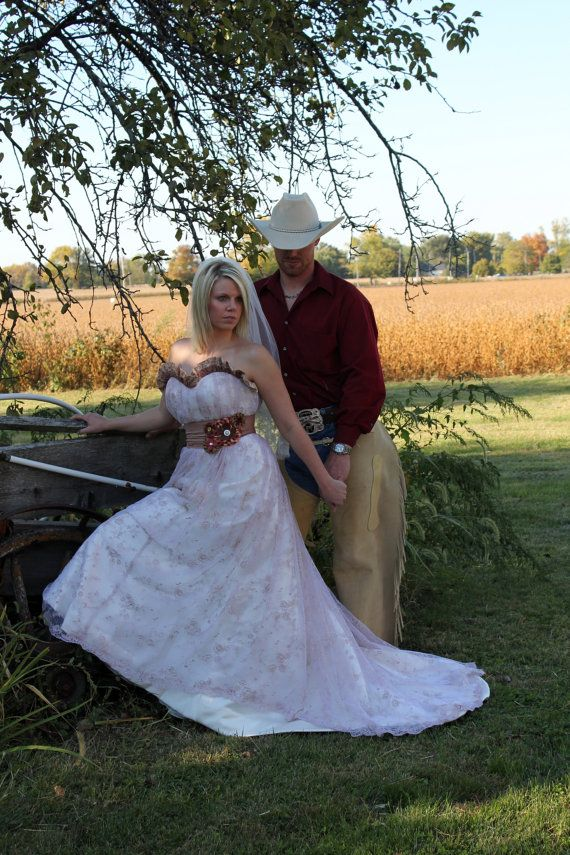 30 best western wedding dresses images on pinterest for Western vintage wedding dresses