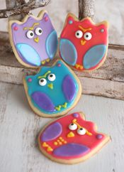 use a tulip cookie cutter to make owl cookies