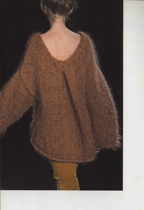 loose, messy bun; big, comfy, gorgeous knitted sweater; slim pants - and very monochromatic perfect!
