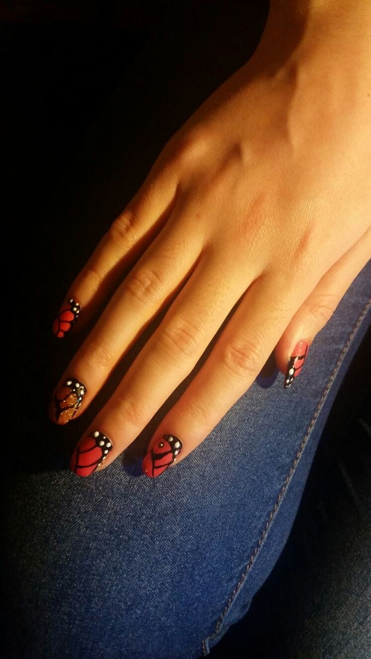 #nails #orange #halloween #art #style #disegno #decoration #unghie #autumn #autunno #emanuelanails #butterfly  #best #picture #hand #casual #hippie