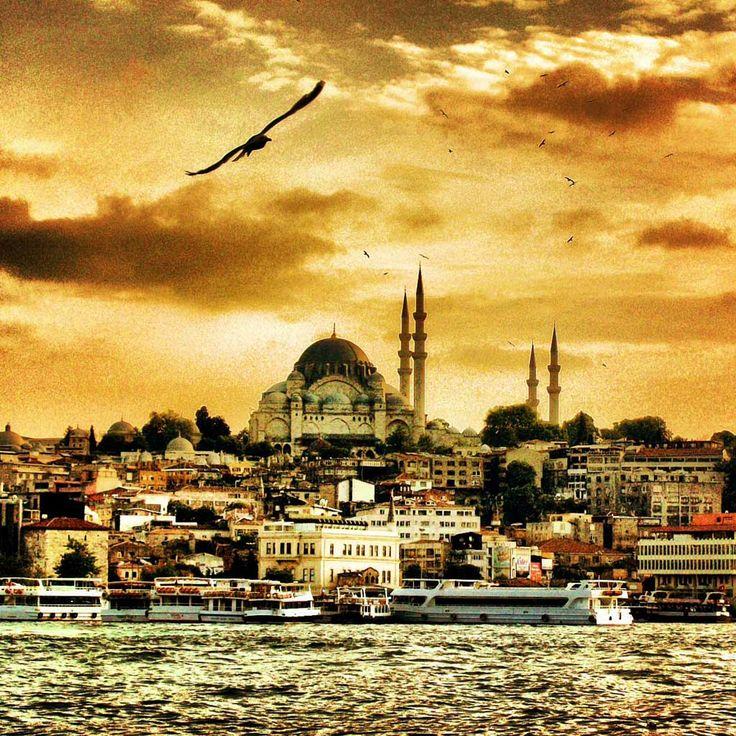 İstanbul by Mustafa Seven