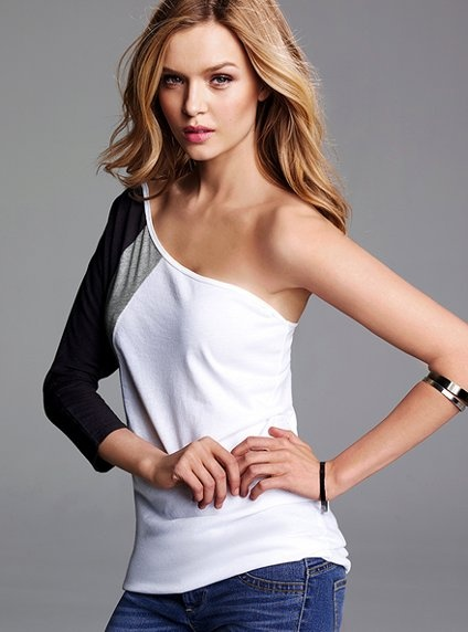 Colorblock One-Shoulder Tee. This doesn't seem very flattering to me. Your eye doesn't know where to go.