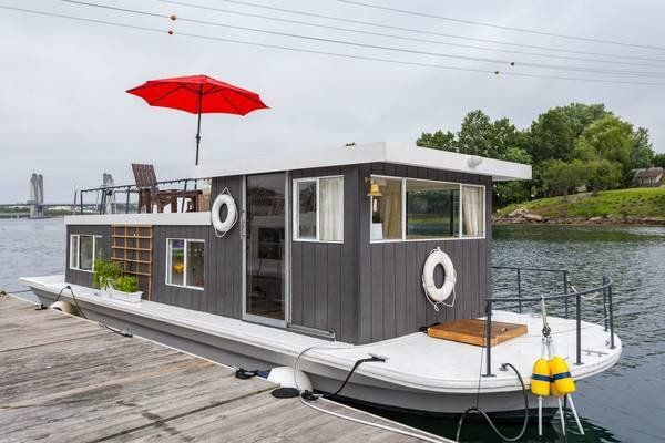 Midcentury Modern Houseboat In 2020 Houseboat Living Boat House Interior House Boat