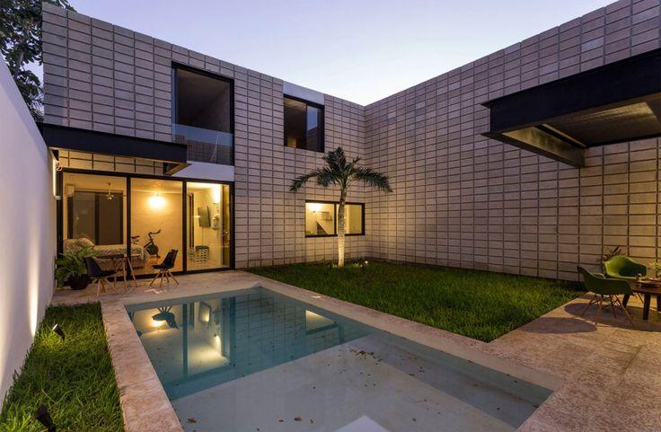 Les 16 meilleures images propos de petites piscines for Piscine pour petit espace