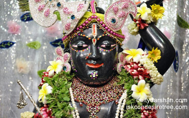To view Gopal Close Up Wallpaper of ISKCON Chowpatty in difference sizes visit - http://harekrishnawallpapers.com/sri-gopal-close-up-wallpaper-011/