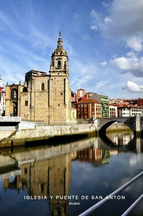 Iglesia y puente de San Anton