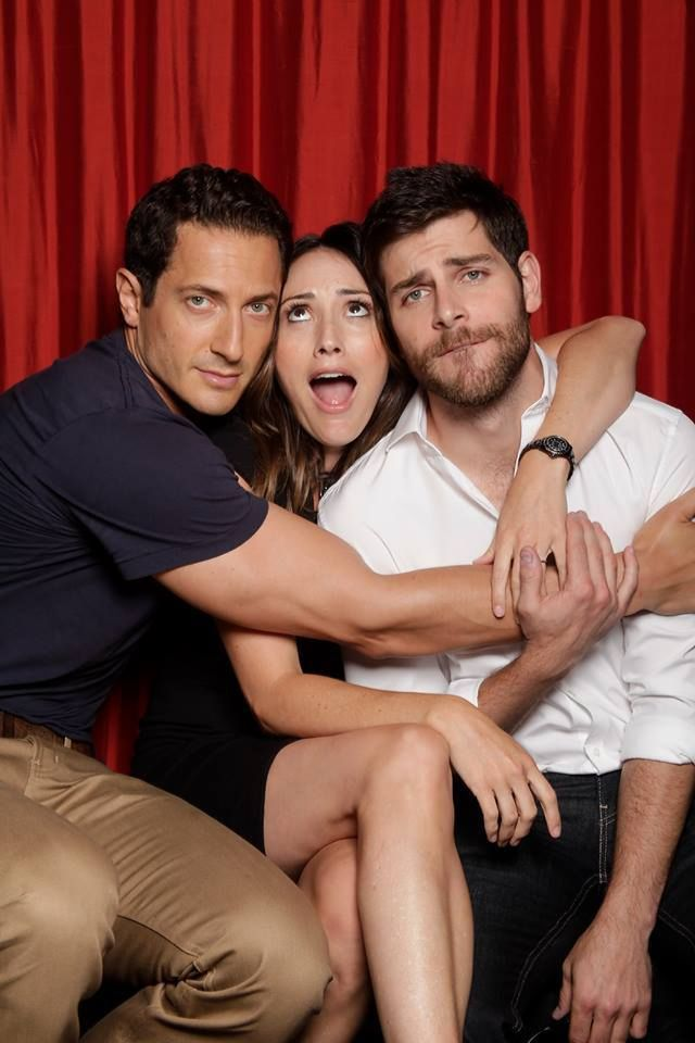 Sasha Roiz & David Giuntoli-so cute! Bree Turner is apparently in heaven!