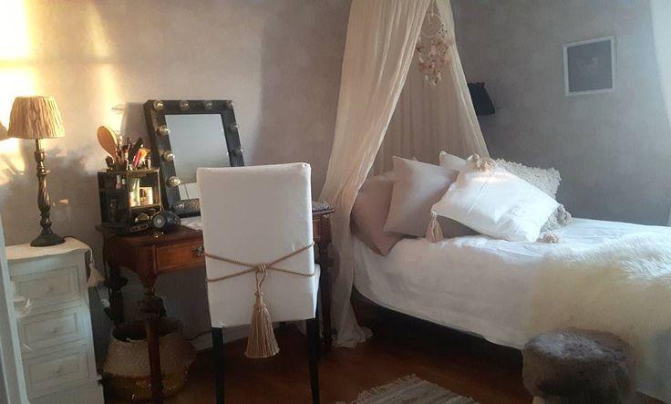 #tesshome #interior123 #inspiration #interiordesign #interior #interior4all #mitthem #home #homestyling #homedecor #shabby #shabbychic #lantligt #lantligthem #swedishhome #sweden #sminkspegel #makeup #wakeupmakeup #sänghimmel #interiordesigner