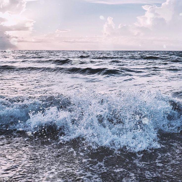 """100 Likes, 10 Comments - Juna (@junasith) on Instagram: """"*Romantic ocean quote*  Здесь должна быть мотивирующая цитата, окрашенная множеством эпитетов,…"""""""