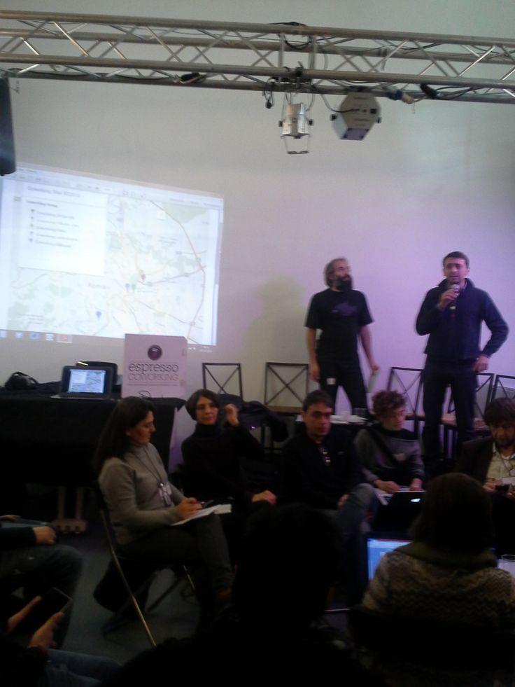 Tommaso di SPQwoRk  presenta il tour dei coworking spaces della 3a giornata