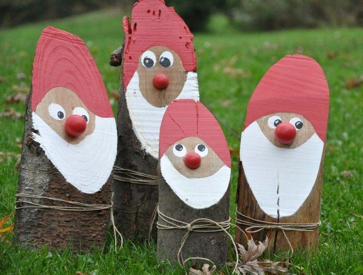 Une idée sympa et originale pour décorer son jardin à moindre coût pour les fêtes, c'est de faire des pères Noël ou nains de jardin avec des bûches de bois et de la peinture aux couleurs de Noël.. Pour faire ces jolis pères Noël en bois, il vous faudra des bûches de bois coupées en biais, de la...