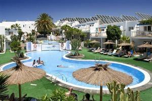 Appartement Parque Tropical  Description: Algemene beschrijving: Parque Tropical ligt op 500 m van een zandstrand. De dichtstbijzijnde plaatsen vanuit het hotel zijn Puerto Del Carmen (500 m) en Arrecife (13 km). Om uw verblijf zo...  Price: 307.00  Meer informatie  #beach #beachcheck #summer #holiday