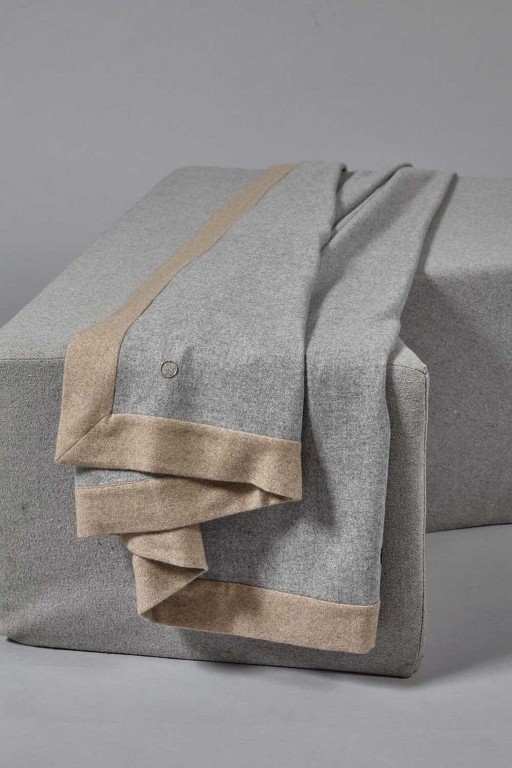 Etra Cashmere Throw in Soft Grey with Melange Taupe
