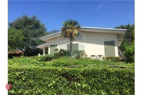Villa in vendita a San Zeno Di Montagna - 31125247 - Casa.it