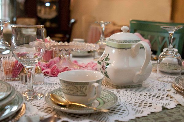 1000 images about tea party ideas on pinterest for Victorian tea party supplies