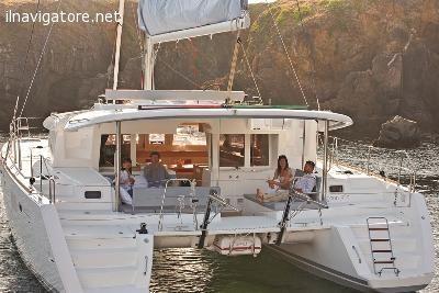 """Nei mesi #invernali e #primaverili il #nostro #catamarano è a #disposizione per cene, #feste, #anniversari a bordo e come #""""albergo"""" ... #annunci #nautica #barche #ilnavigatore"""