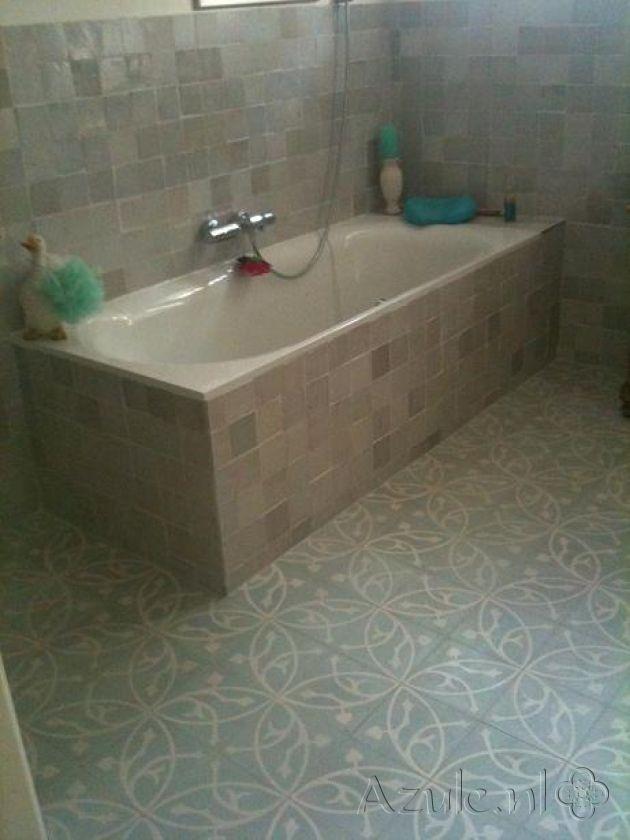Cementtiles bathroom - Oval Azule - Zellige Gris Aubergine - Project van Designtegels.nl