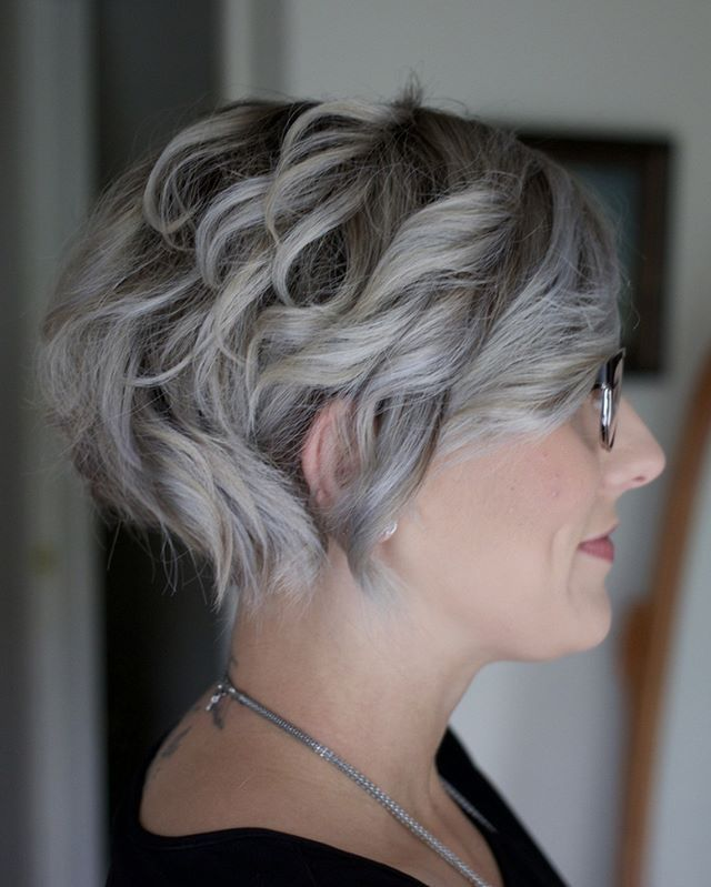 The new do. #grayhair #silverhair #silvershorthair #cosmetologist #hairstylist #beauty #girl #curls #undercut #sideprofile #smile #slate #instagood #beautiesofinstagram #glasses #makeup #pic #artisanhaircompany #tattoo #art #expression #me #happy #nofilter #igers #instalike #hairstyles #shorthairstyles @kenraprofessional