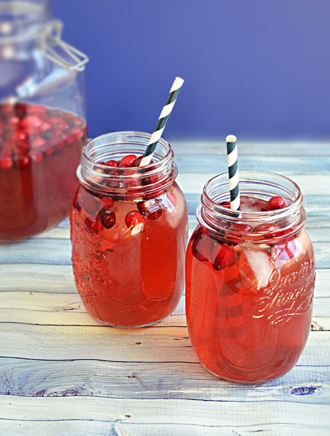 Cranberry White Wine Punch.  Great for the holiday season! | blog.hostthetoast.com