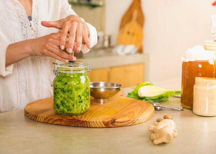 Las verduras fermentadas tienen la ventaja de que no pierden nutrientes, sino que ganan, y además enriquecen la flora intestinal.