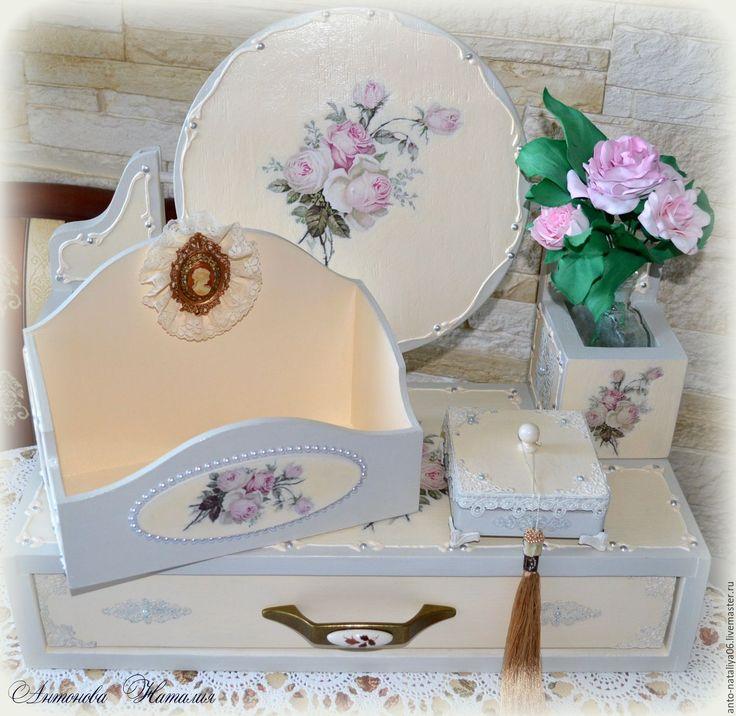 """Купить Набор для туалетного столика """"Натали"""" - бежевый, короб, интерьер, для хранения украшений, настольное зеркало"""