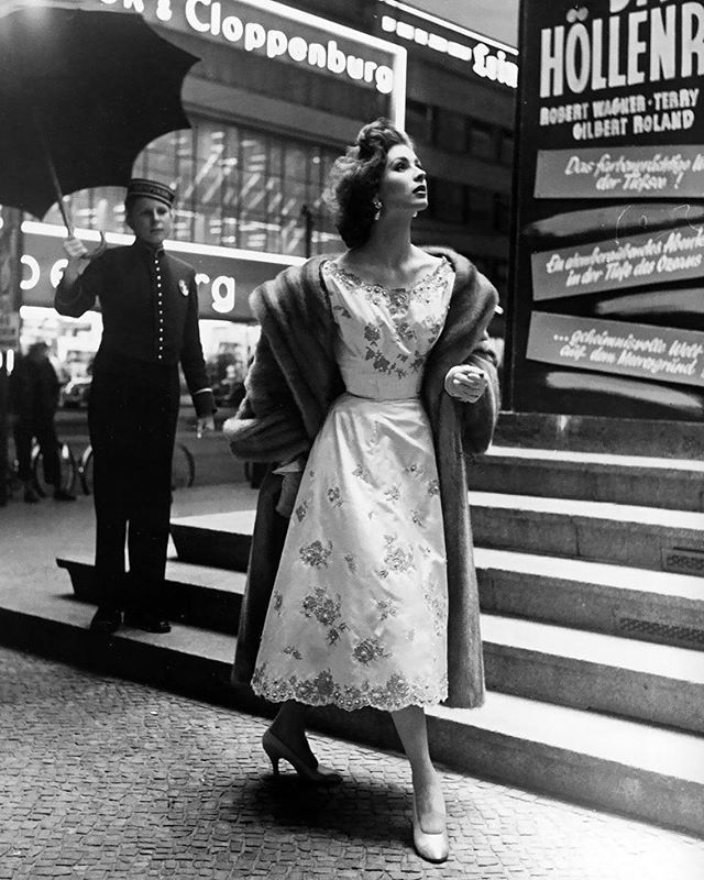 Suzy Parker in Berlin by Regina Relang 1954