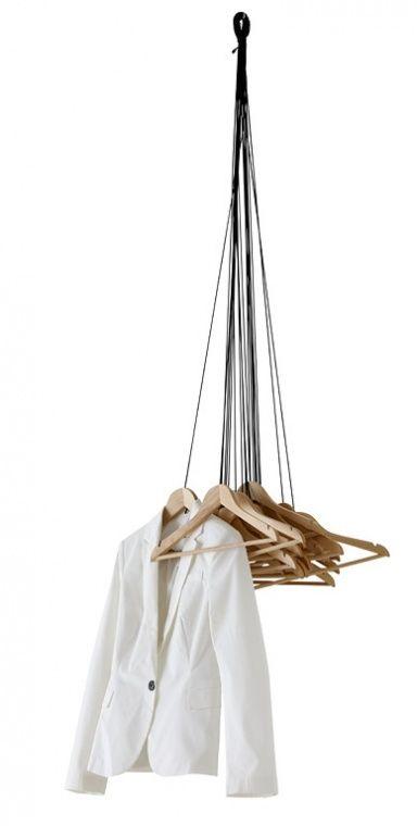 """Garderobe """"20 Hangers"""" von Ligne Roset"""