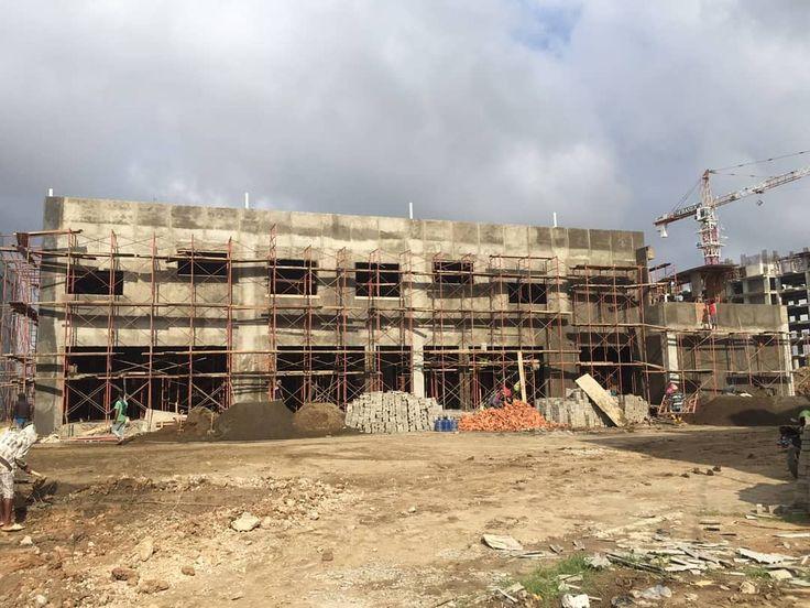 Progres pembangunan Super Indo di Celentang Palembang. Tepatnya jadi satu dengan kawasan Apartemen Basilica. Di sebelah kanan terlihat progres konstruksi apartemen Basilica.  Photo by Arin Nugraha ssci team  #palembang #superindo #celentang #basilica #basilicaapartment #construction #progress #supermarket #shopping