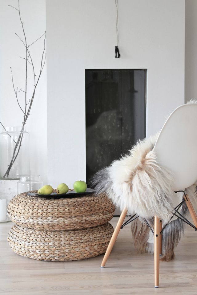 Love the way Scandinavian style can create warmth and simplicity at the same time. http://skandihus.blogspot.co.uk/