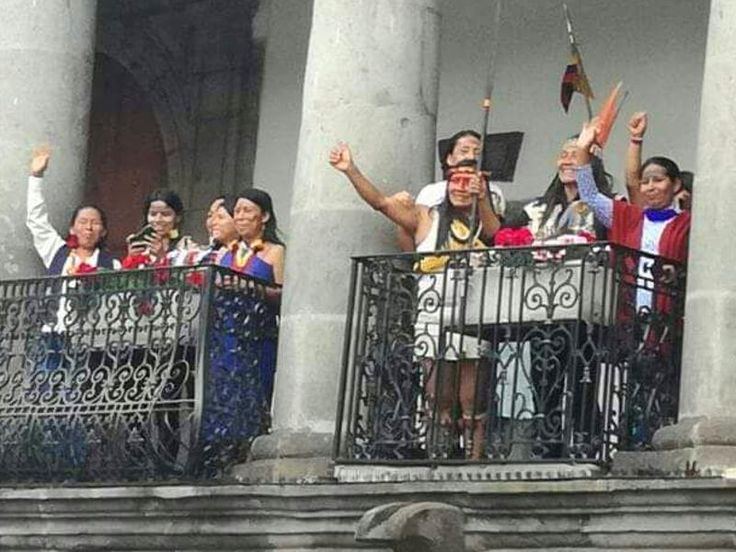 Amazonian indigenous women have secured a meeting with Ecuador's President to present their demands for an Amazon free of industrial resource extraction and an end to the threats and attacks against themselves and other Earth Defenders. Show your support for them by sending a message today!