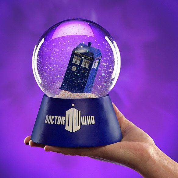 Doctor Who TARDIS Snow Globe. Need this for my collection!