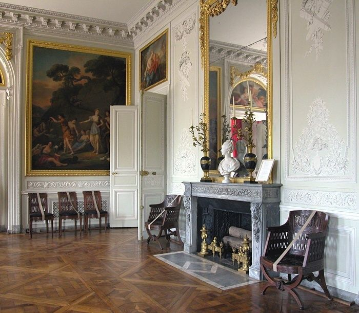 17 best images about boiserie on pinterest louis xvi moldings and panelling - La salle a manger paris ...