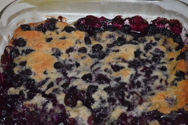 Bisquick Blueberry Cobbler •3 cups of blueberries • 6 tablespoons of butter or butter substitute • 1 1/4 cups of original Bisquick • 2/3 cup milk • 1/2 cup sugar oven to 350 degrees Bake in the oven for 42-47 minutes, or until the crust is golden brown.