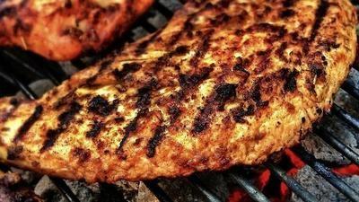 Jak správně připravit maso na grilování